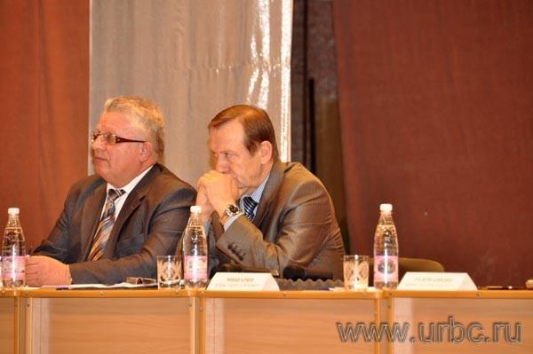 Погрустневший глава Сысерти Вадим Старков после выступлений возмущенных горожан