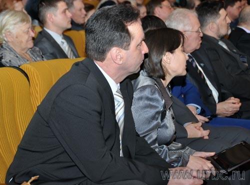 Начальник сысертского управления образования Алексей Минин в ожидании неприятного разговора с начальством