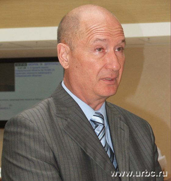Владимир Романов в течение всего обсуждения упорно называл нынешних казаков «предками» староуральских казаков