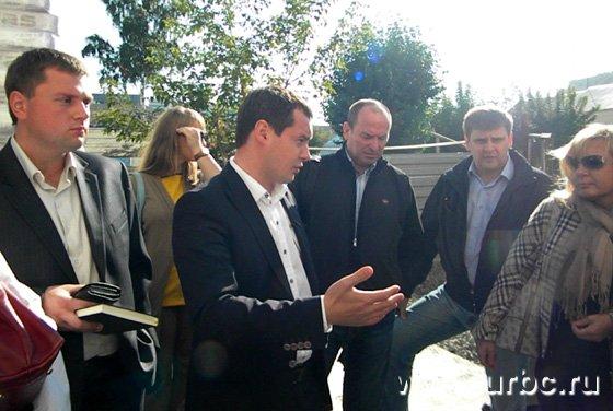 Дмитрий Нисковских посетил стройку и ответил на вопросы дольщиков